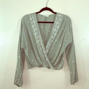 Chloe & Katie embroidered top size L!
